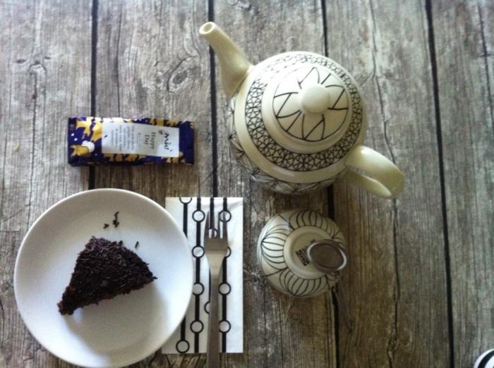 Bule e chávena da coleção limitada RYSSBY da IKEA.